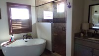 1324_tub_new+residential+interior+bathrooms.jpg